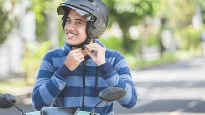 Imbauan Polri Kenapa Harus Pakai Helm Saat Berkendara