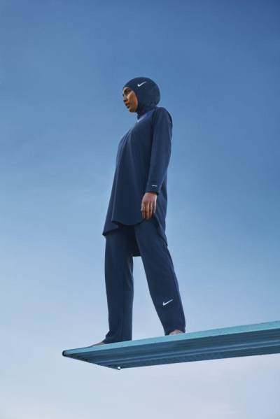 Hijab Friendly, Ini Baju Renang Terbaru Nike Khusus Muslimah