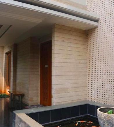 Mengintip Rumah Mewah Sarita Abdul Mukti yang Akan Dijual, Berapa ya Harganya?