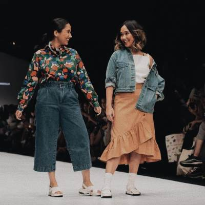 6. Tampil di Jakarta Fashion Week