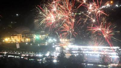 Gak Perlu Keluar Negeri, 5 Kota di Indonesia Ini Punya Perayaan Tahun Baru yang Meriah Lho!