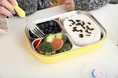 3. Peralatan Makan