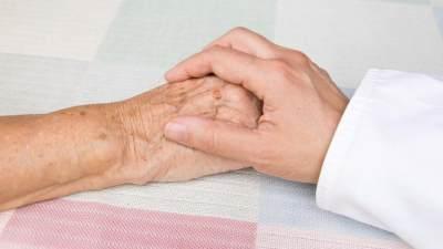 Mengurus Pasangan yang Tengah Sakit