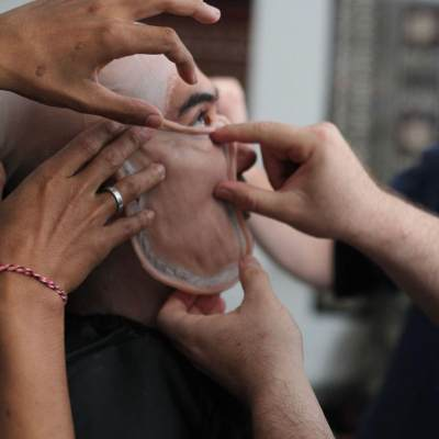 Transformasi Makeup Reza Rahadian Jadi BJ Habibie, Susah Bedakan dengan yang Asli!