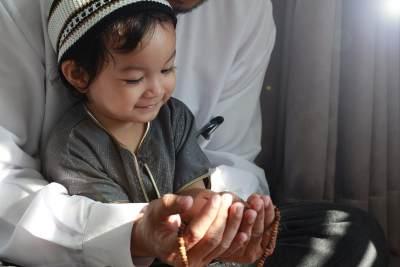 Doa Safar Memohon Keselamatan Selama Liburan, Yuk Moms Ajari Si Kecil!