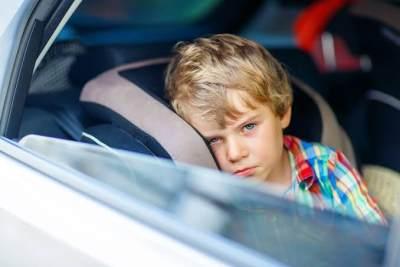 Liburan Aman dan Ceria, Ini 7 Cara Mengatasi Anak Mabuk Perjalanan