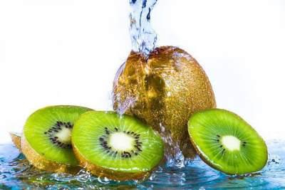 Cara mengonsumsi kulit buah kiwi