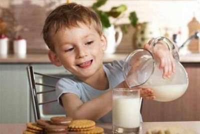 Susu Kedelai Kacaukan Hormon Reproduksi Anak Laki-laki, Apa Benar, Moms?