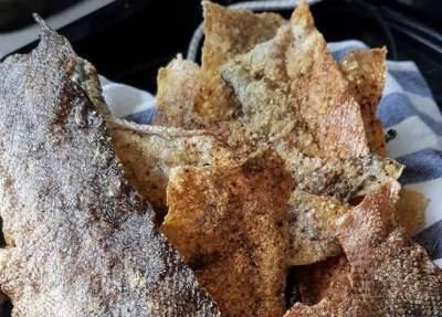 Kriuk Banget! Ini Resep Mudah Membuat Kulit Ikan Salmon yang Krispi