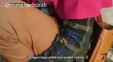 Kisah Menyentuh Bocah Penjual Jagung Rebus yang Tertidur Saat Berjualan