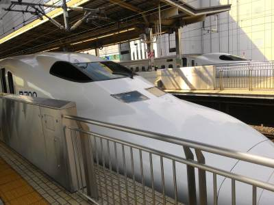 Asik Selfie, Turis Indonesia Bikin Shinkansen di Jepang Telat 10 Menit