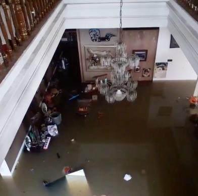 Rugi Ratusan Juta Rupiah Akibat Banjir, Begini Kondisi Rumah Rian D'Masiv