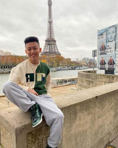 Duh, Video Rich Brian Masak Nasi Goreng Viral Gara-gara 'Mirip' Fried Rice