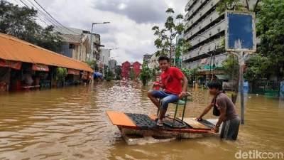 Saat Banjir Datang, 5 Bisnis Ini Diprediksi Raih Untung Besar!