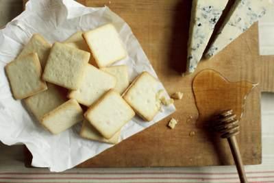 Hanya Butuh 5 Bahan, Ini Resep Milky Cheese Crackers Ala Hokkaido yang Viral