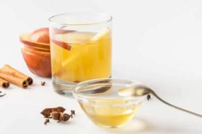 Detoks Tubuh dengan Cuka Apel, Efektifkah Saat Perut Kosong?