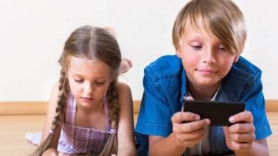 5 Kondisi yang Menandakan Anak Belum Siap Punya Ponsel Sendiri
