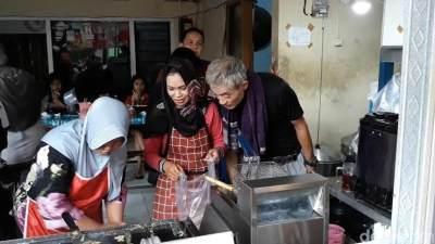 Asli Jepang, Warung Takoyaki Murah di Solo Ini Viral dan Selalu Ramai!