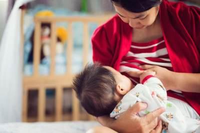 Anti Drama, Ini 6 Tips Sukses Menyapih Anak