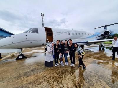 Potret Lamaran Liana Jhonlin, Anak Crazy Rich Kalimantan yang Mewah dan Bertabur Bintang