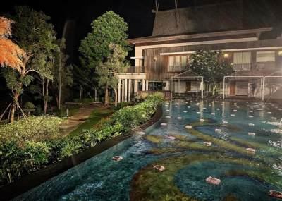 Megahnya Rumah Crazy Rich Kalimantan dengan Kolam Renang yang Curi Perhatian