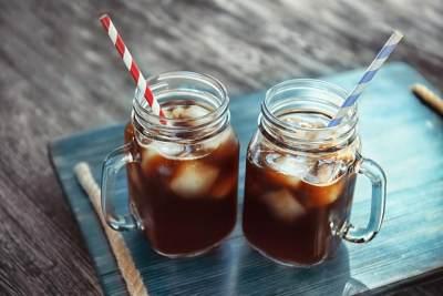 Pakai Air Kelapa, Resep Kopi Cold Brew Ini Gak Kalah Enak dari Kedai Kopi!