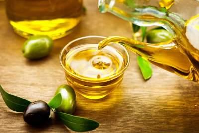 5. Memijat Payudara dengan Minyak Zaitun