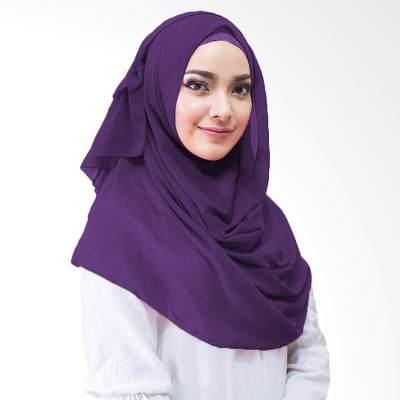 Bikin Wajah Tampak Kusam, Hindari 5 Warna Hijab Ini, Moms!