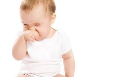Jangan Buru-buru Kasih Obat! Ini 5 Cara Alami Meredakan Batuk Pilek Pada Bayi