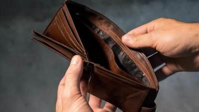 3. Tidak dapat mengelola keuangan