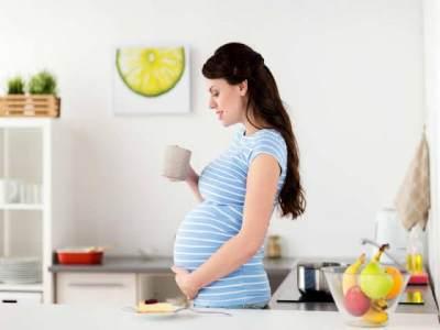 Rutin Minum Air Lemon Saat Hamil, Apa Manfaat dan Efek Sampingnya?