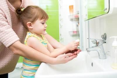 Tips Mencegah Cacingan dan Menjaga Kesehatan Anak