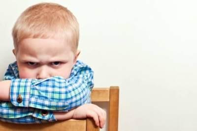 Si Kecil Suka Marah-marah? Lakukan 6 Cara Ini Untuk Mengatasinya, Moms