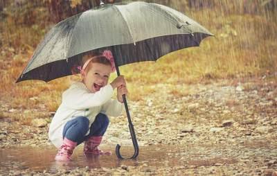 Selain Payung, Ini 7 Benda Wajib Punya Saat Musim Hujan!