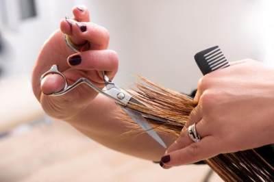 Lebih Hemat dan Murah, Ini Tips Mudah Memotong Rambut Sendiri di Rumah