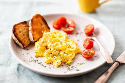 Tanpa Banyak Bahan, Ini Tips Membuat Scrambled Egg yang Simpel ala Chef