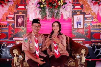 Cerita Unik Pasangan Pengantin di Sulteng Pakai Seragam Pramuka Saat Resepsi Pernikahan