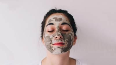 6 Jenis Masker Wajah Berdasarkan Masalah Kulit, Pilih Sesuai Kebutuhan, Moms