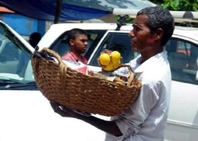 Kisah Inspiratif Penjual Jeruk Keliling Bangun Sekolah Untuk Anak Kurang Mampu