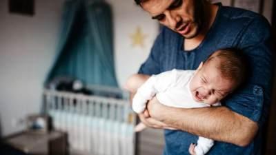 Baby Blues Juga Bisa Dialami Ayah, Lho! Bagaimana Cara Mengatasinya?