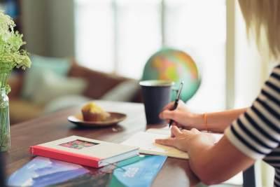 Suka Duka Anak Bersekolah dari Rumah, Bener Gak Moms?