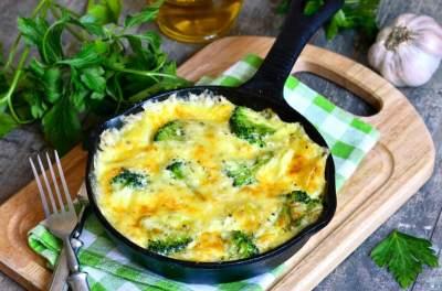 Omelet Brokoli Keju
