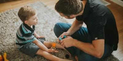 Rahasia Agar Anak yang Peduli Sesama dan Tidak Egois, Ini Dia yang Harus Mommy Tahu
