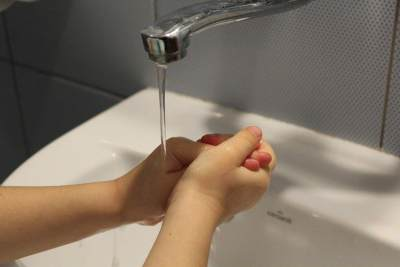 2. Menjaga Kesehatan dan Kebersihan Diri