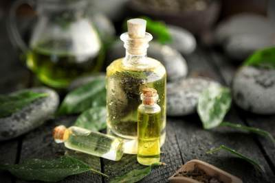 1. Tea Tree Oil