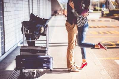 Perjuangan Menjalani Long Distance Marriage, Benar Gak Moms?