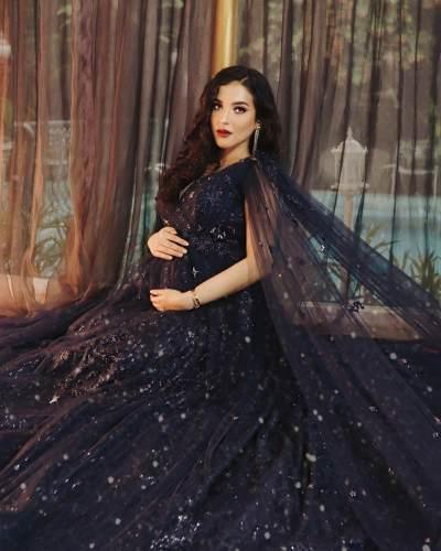 Maternity Photoshoot di Rumah Aja