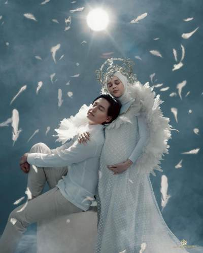 Syahdu, 5 Momen Maternity Shoot Cut Meyriska & Roger Bertema 'Guardian Angel'