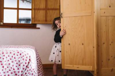1. Tanda Anak Introvert