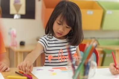 4 Percobaan Sains Seru yang Bisa Dicoba Bareng Anak di Rumah